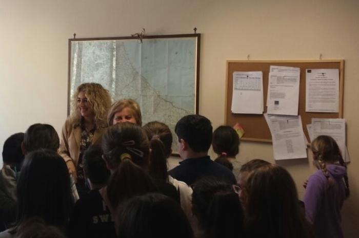 Pescara, Ansa - alunni in visita alla redazione